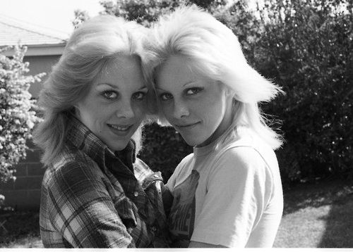 The Runaways - Marie & Cherie Currie - 1977 - the-runaways Photo