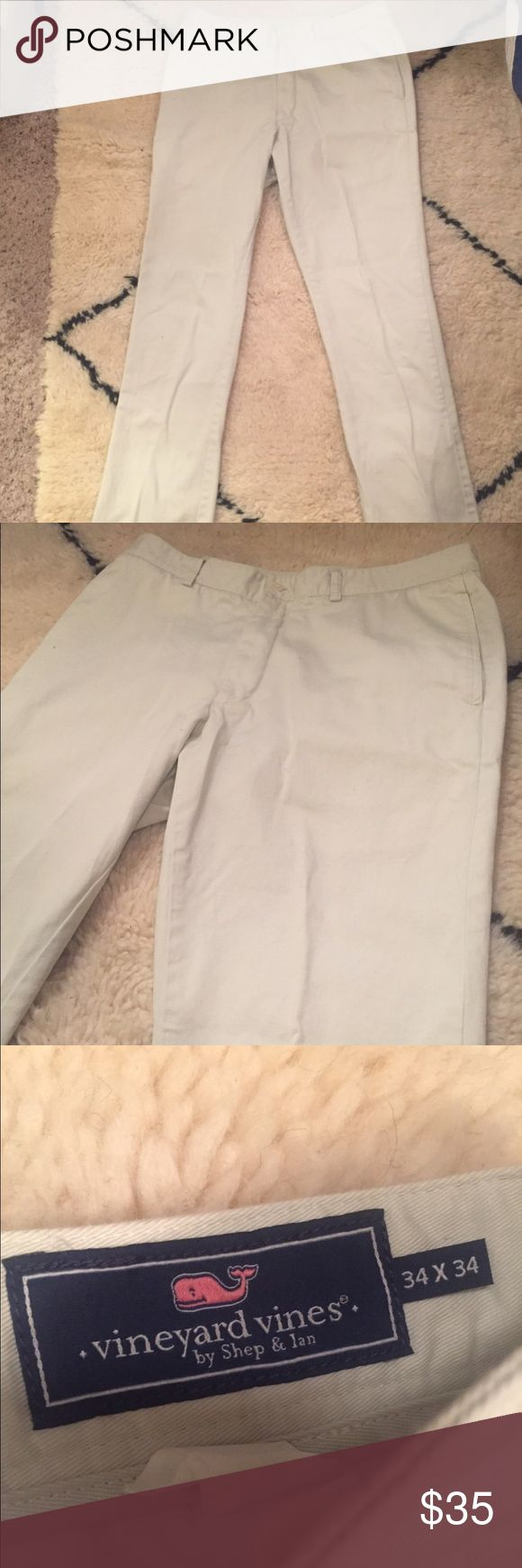 Vineyard Vines Slim fit Club Pants 34x34 Vineyard Vines Slim fit khaki club pants, size 34x34. These were worn once and are like new, no tears or stains! Vineyard Vines Pants Chinos & Khakis
