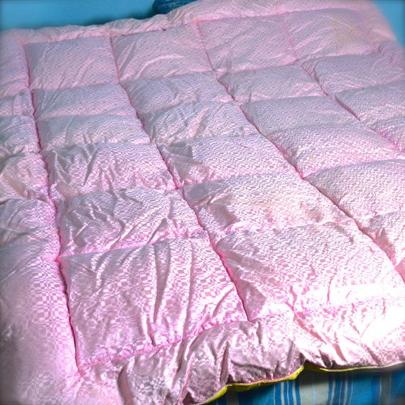 pink feather quilt wall - photo #12
