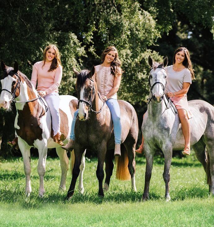 Amanda, Vicki & Kelly Wilson Cassanova (?), Argo KH & ??