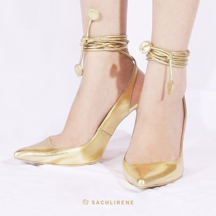 Wearing a beautiful shoe is essential for me. #sachlirene #sachlirenecandice