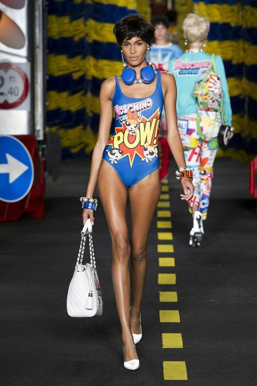 Image via We Heart It #fashion #girl #milan #model #Moschino #outfit #runway #style