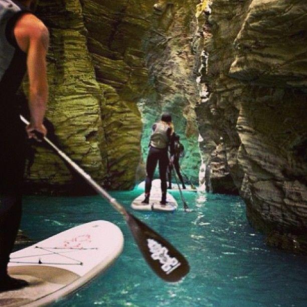 #SUP stand up paddling in Oman التجديف بالوقوف، سلطنة عمان  By @omansup   www.batuta.com