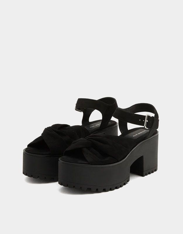 Sandale noire bloc nœud. - Chaussures à talon - Chaussures - Femme - PULL&BEAR France