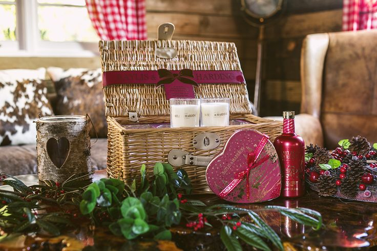Spoil someone special this Christmas with one of our luxurious pamper hampers in our bestselling Christmas fragrance, Midnight Fig & Pomegranate.
