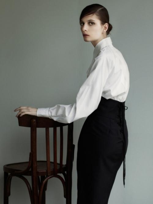Suzie Bird by Julia Hetta