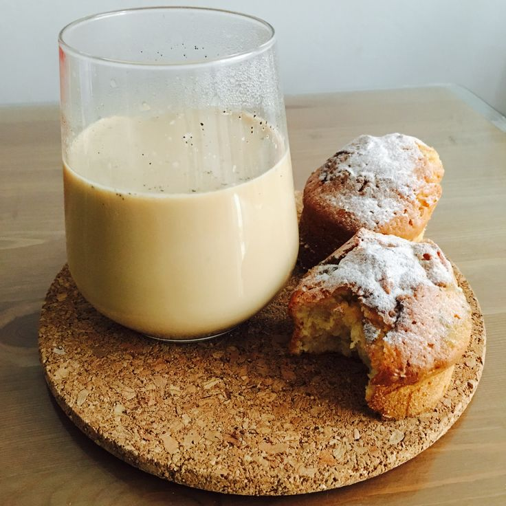 Coffee /w cupcake 🍂☕️🍮