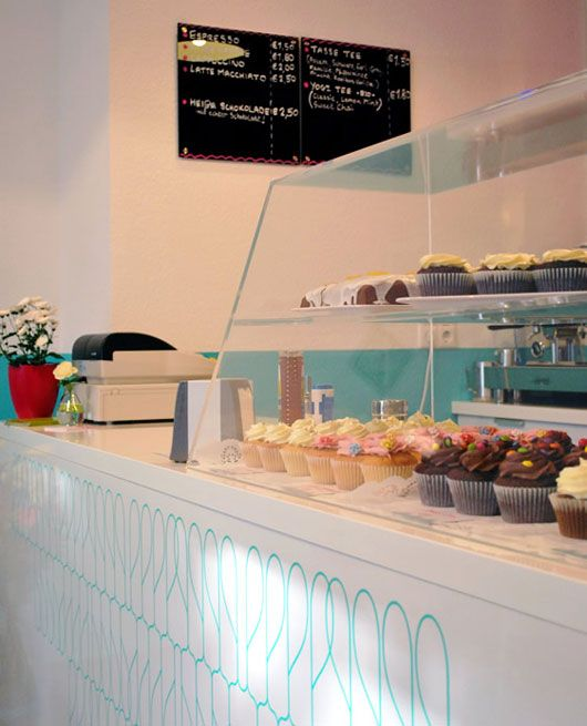 Small coffee shop interior design with retro style home for Bakery shop interior decoration
