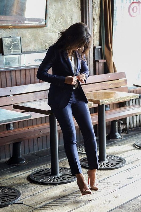 Real Women Outfits (No Models) to Try This Year : Over the years I have learned that what is important in a dress is the woman who is wearing it.