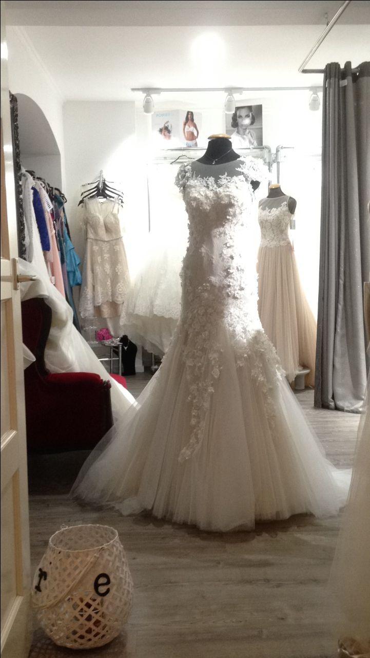 Großartig Hochzeitskleid Display Box Zeitgenössisch - Hochzeit Kleid ...