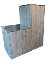 Bianca  Tuinkast van steigerhout met zinken dak (loopt iets af) met deurtjes.  Uitermate geschikt voor uw tuingereedschap.  bxdxh 65x75x165cm Deze kast wordt voor u op maat gemaakt. Geef de maten door en u krijgt zonder verplichtingen uw prijsopgave.