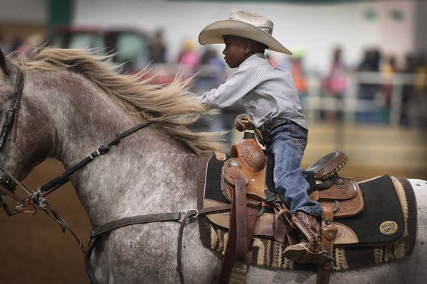 striking-photos-show-americas-only-touring-black-rodeo-competition_us