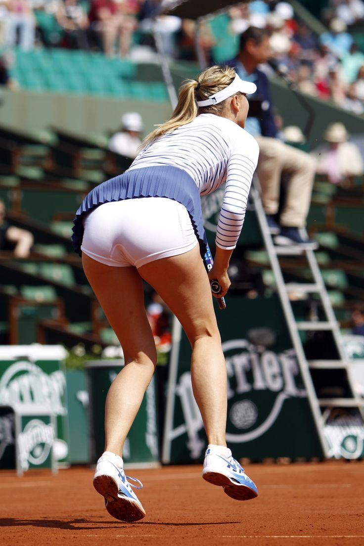 sports women upskirt Maria Sharapova at Roland Garros 2015 #WTA #Sharapova #RolandGarros