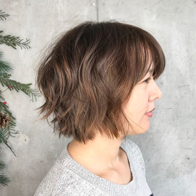 L A Y E R E D Textured Ends Are Great For Those That Love An Easy Hairstyle Though This Haircut Wa Wavy Bob Hairstyles Bob Hairstyles Hair Inspiration