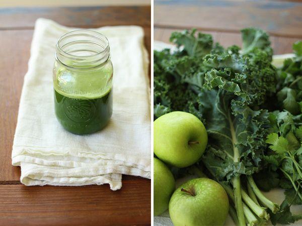 Green juice recipes:  • Celery, lemon and apple  • Celery, cucumber, lemon and apple (or pear)  • Celery, cucumber, kale, lemon and apple (or pear)   • Celery, cucumber, lemon, parsley and apple (or pear)  • Celery, cucumber, lemon, fennel, parsley and apple (or pear)