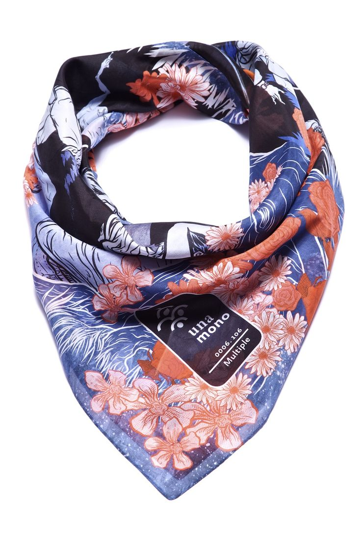 A colorful fashion statement: great scarf with an unusual design. #MomPreneursAdventsbasar