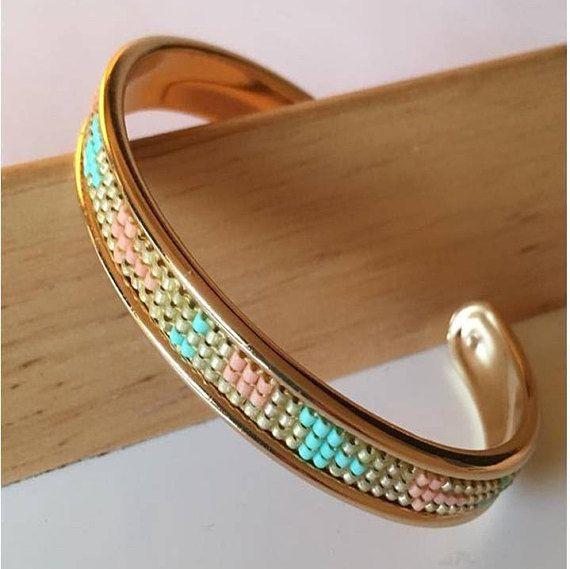 Bracelet manchette sur jonc de laiton couleur OR / Tissage de