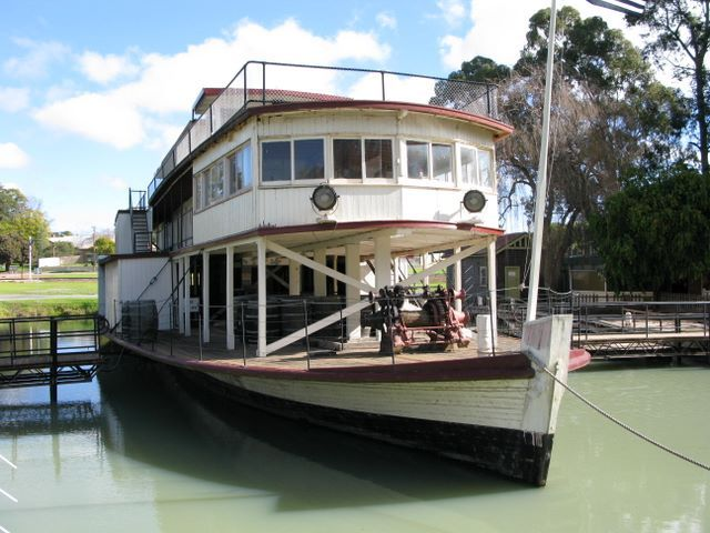 Pioneer Settlement, Swan Hill Victoria: Old Murray River Paddle Steamer