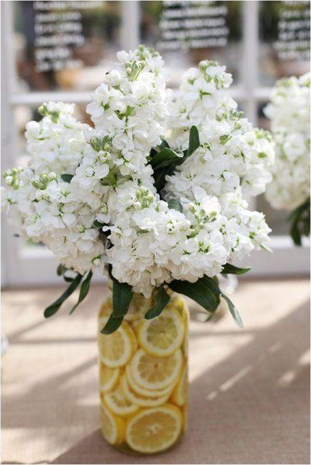 Décoration de vases avec des citrons, fleurs, vase, idée diy, diy vase, vase citron