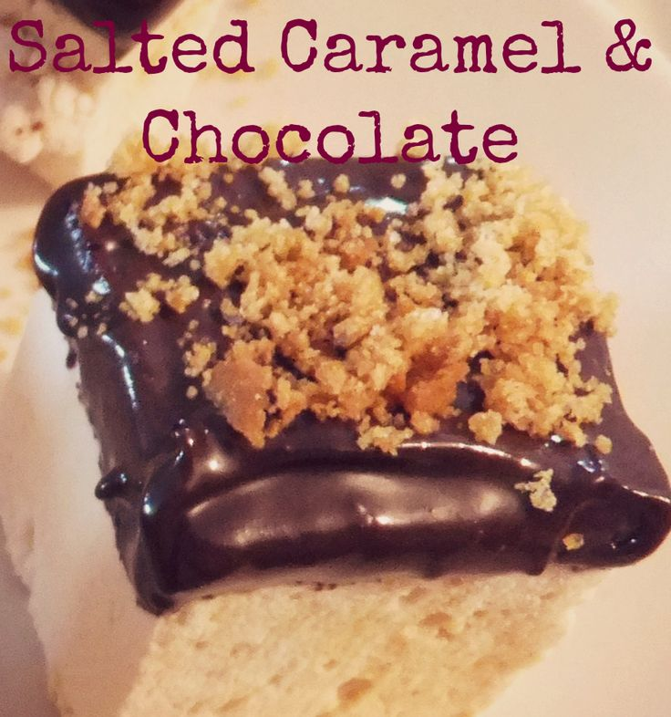 salted caramel marshmallow dipped in milk chocolate and sprinkled with ginger crumble.  handmade in Ireland by mallow mia gourmet marshmallows