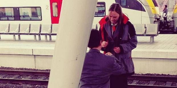 Demande en mariage à la gare de Louvain