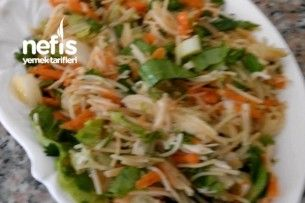 Tavuklu Şehriye Salatası Tarifi nasıl yapılır? bu tarifin resimli anlatımı ve deneyenlerin fotoğrafları burada. Yazar: Ayşe Gül Bütüner