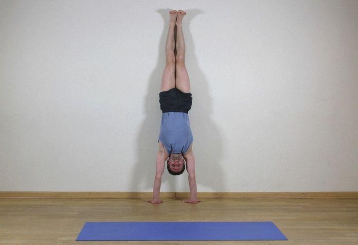 Adho Mukha vriksasana   Stanie na rękach ma silny, dobroczynny wpływ na organizm. Poprawia funkcjonowanie układu krążenia i oddechowego, rozciąga kręgosłup i wzmacnia układ kostny. Praktyka tej asany daje poczucie stabilności i zwiększa nasze zdolności intelektualne.