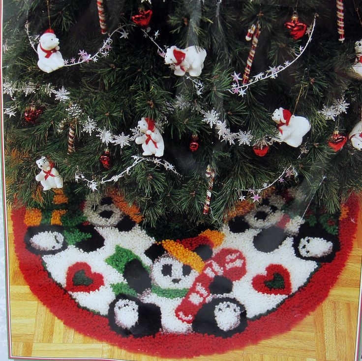 Christmas Bear Tree Skirt Latch Hook Rug Kit 33 Inch Wonderart Caron Round 4597 CaronWonderArt