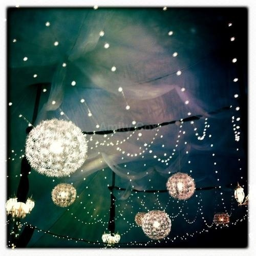 I just love fairylights and lanterns... <3
