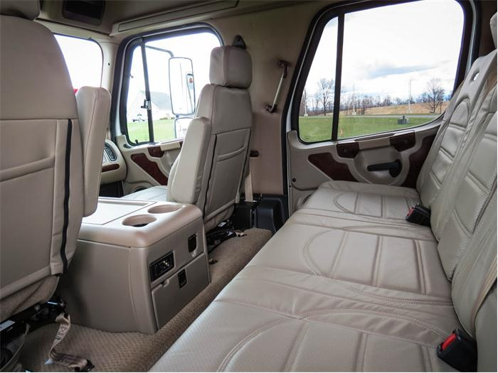 Freightliner Sportchassis interior | TRUCKS | Pinterest ...  Freightliner Sp...