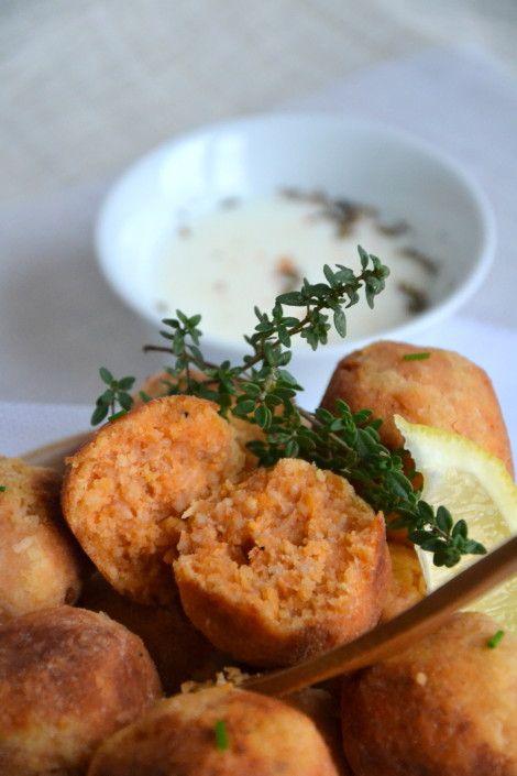Boulettes végétales lentilles corail-coco { sauce épicée au lait de coco } http://www.lesrecettesdejuliette.fr #vegan #vegetalien
