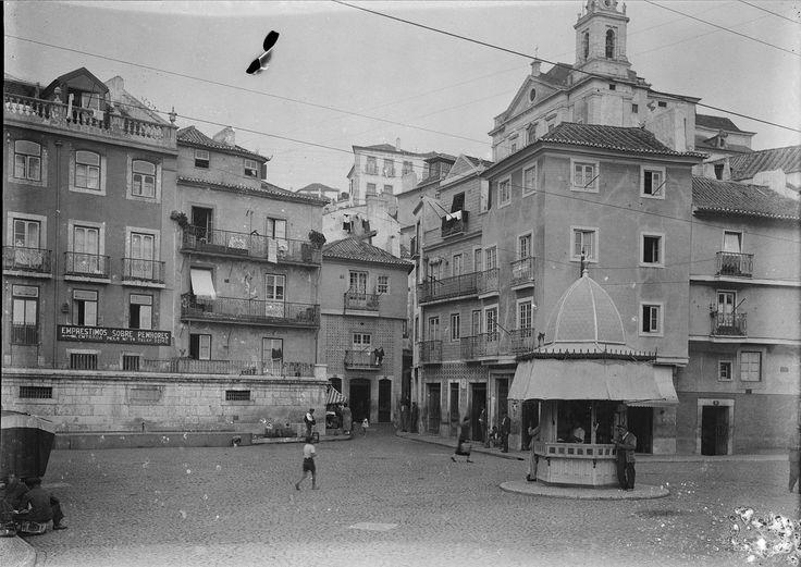 largo-do-chafariz-de-dentro-lisboa-portugal.jpg (2000×1416)