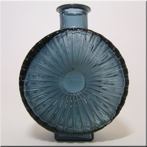 Riihimäen Lasi Oy / Riihimaki smokey blue glass textured 'Aurinkopullo' (Sun) decorative bottle vase, designed by Helena Tynell.