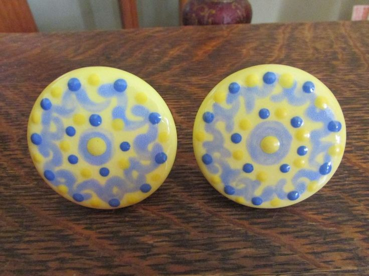 CERAMIC PORCELAIN HAND PAINTED DRAWER PULLS, KNOBS, YELLOW & BLUE (2) #Unbranded