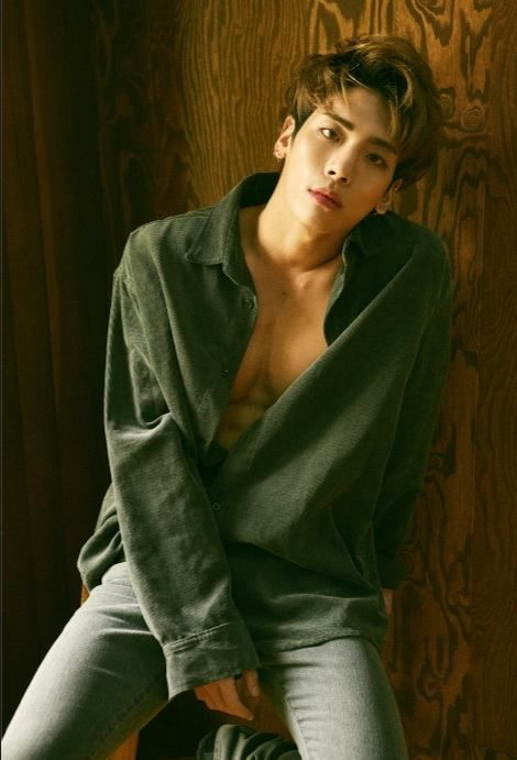 SHINee releases '1 and 1' 5th Repackage Album. Jonghyun