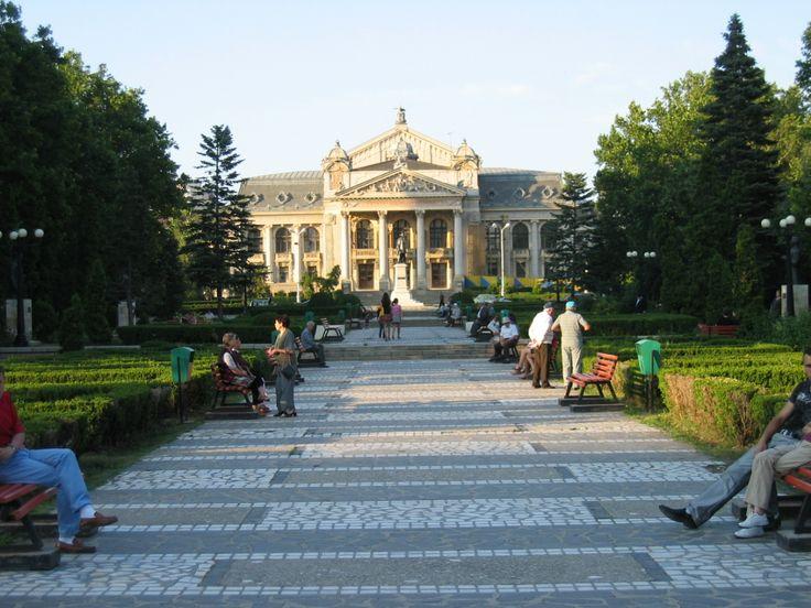 Iasi Romania | Iasi Romania National Theatre