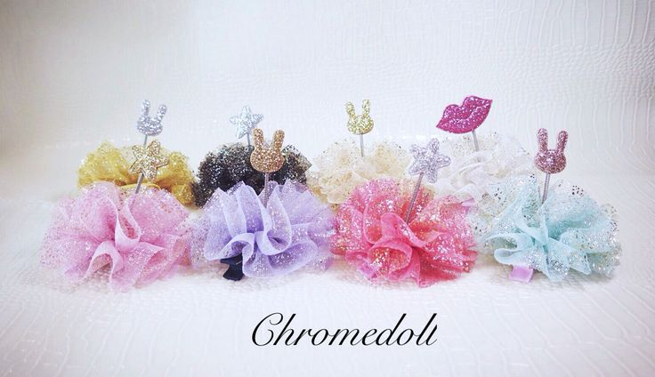 Hair accessories with colored mesh and gold glitter. This is unique Item cuz of spring inside. so it is shaking when you moving with it.  Very cute, adorable, popular-