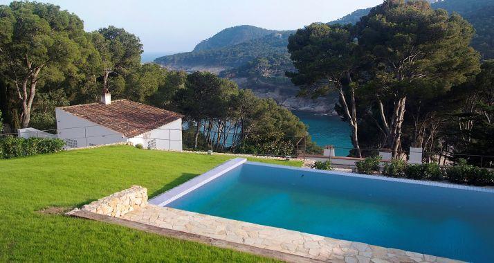 rent detached house with pool in tamariublauvrd villa with sea views and private maisons avec piscinepiscine privelocationvillas - Location Villa Piscine Costa Brava