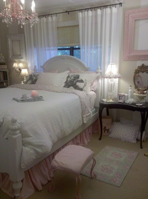 Shabby chic bedroom- more kid friendly for Haley