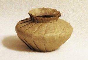 Math tutorial vase 300x204 Tutorial: Folding pleated forms