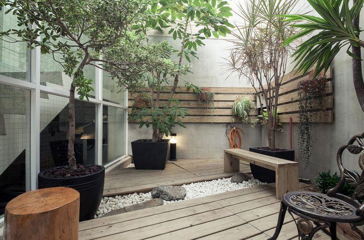 маленький внутренний дворик