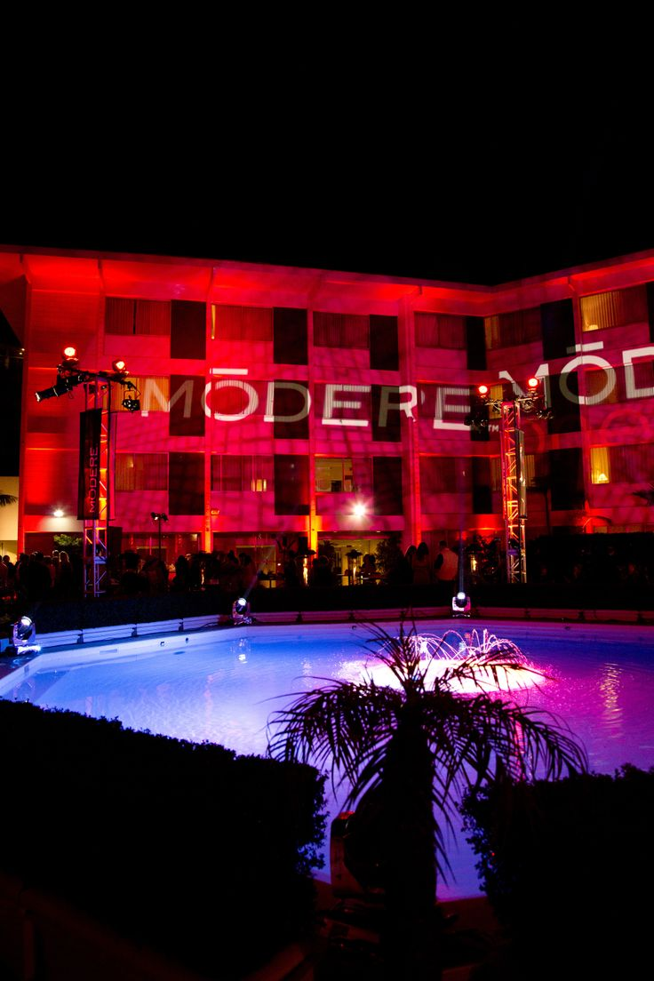 Beverly Hilton Courtyard - ModereOne