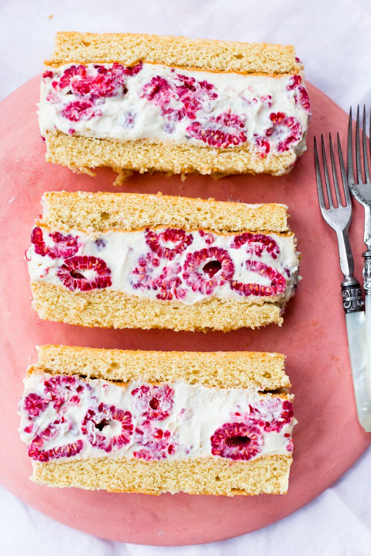 A genoise is exactly what you need when you are throwing a summer afternoon tea party.