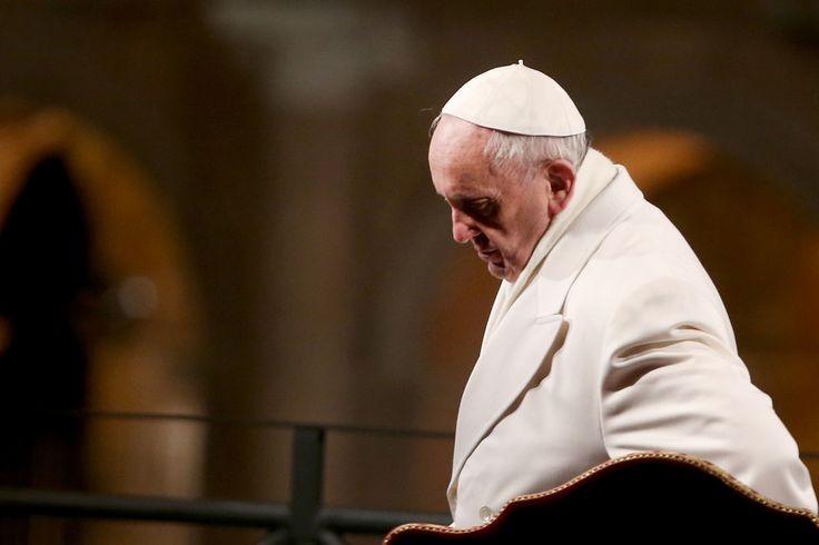 Expresso | Papa Francisco diz que Igreja deve pedido de desculpa aos gays