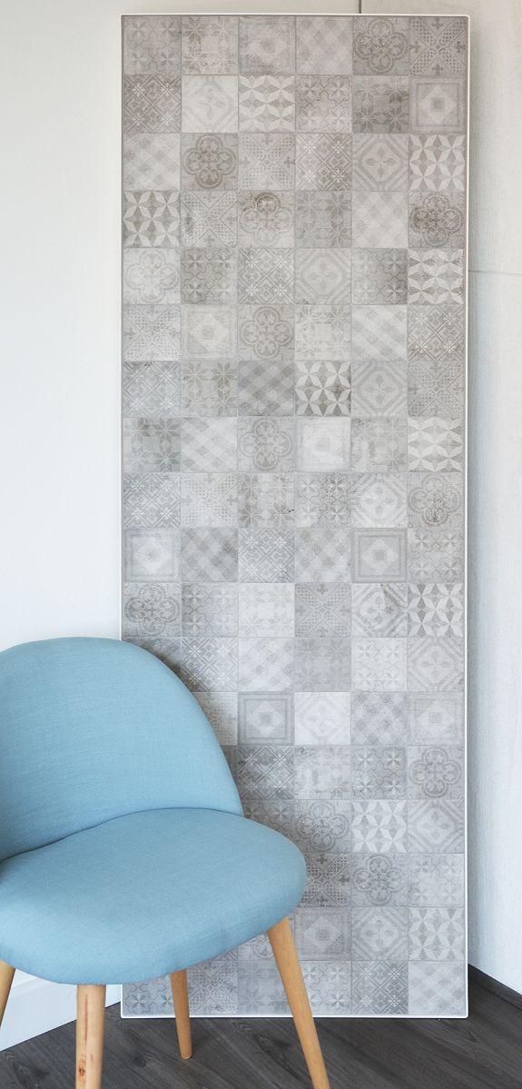 Dekorfliser i historiske farger og mønstrer blir stadig mer populære og med de nye produksjonsteknologiene innenfor flis er det nå mulig å kombinere de unike dekorasjonene med alle fordelene fra po…