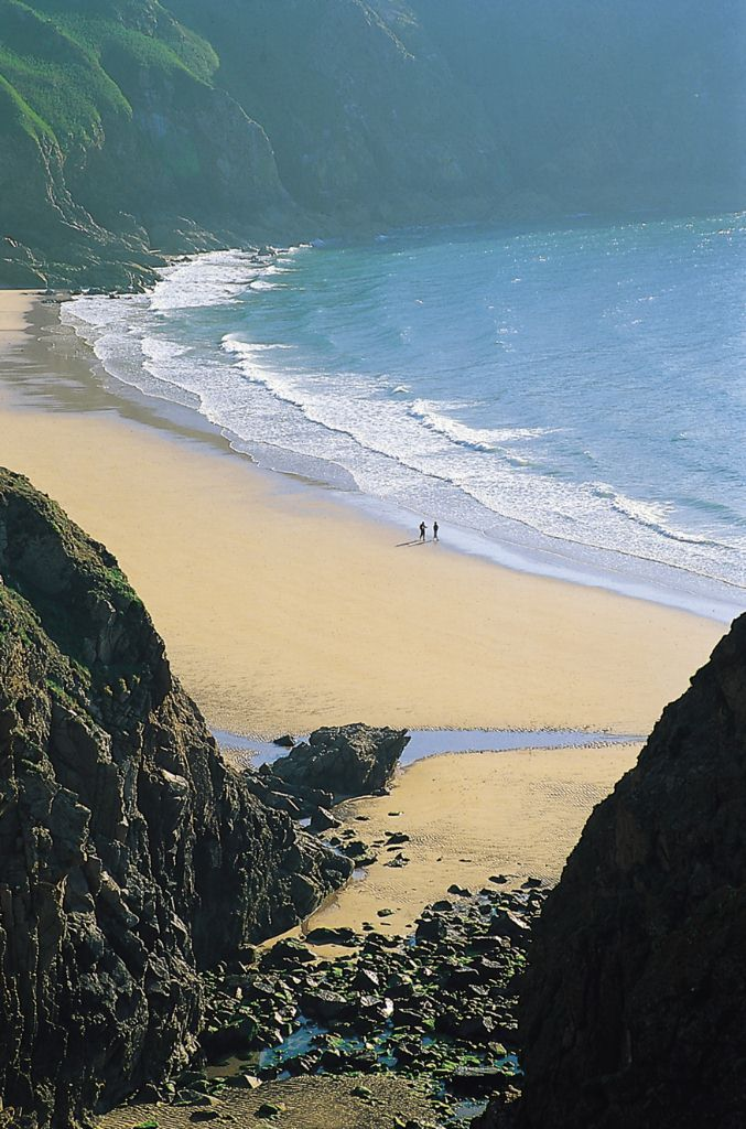 Stunning views of an unspoiled beach in Jersey, Channel Islands #EscpaeToJersey