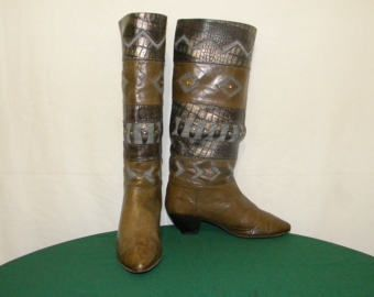 Sz 6.5 Vintage tall green leather Aztec style  Italian made wedge heel women walking boots.