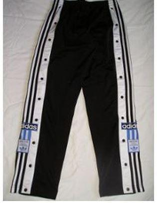 Le pantalon Adidas... 15 fringues culte que l'on portait dans les années 80 et 90.