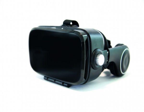 VR1 : Orange lance un casque de réalité virtuelle à 49.99 € - ZDNet