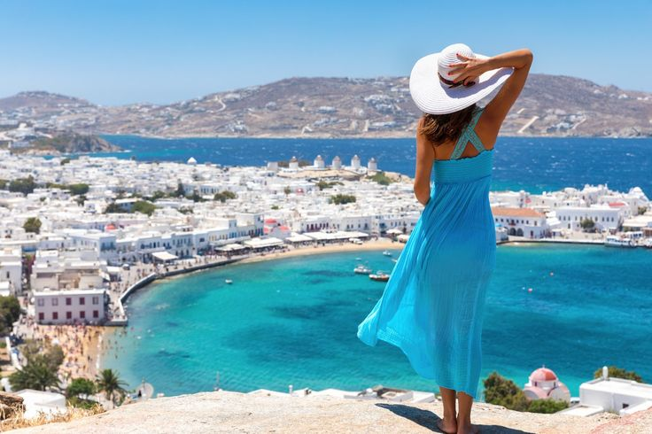 Book your #Mykonos holiday online now and ensure the best summer experience of your life at the cosmopolitan beach of Platys Gialos and the sublime Mykonos Kosmoplaz Beach Resort Hotel!